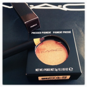 MAC Pressed Pigment in Pink Pepper, and Eye Kohl in Prunella